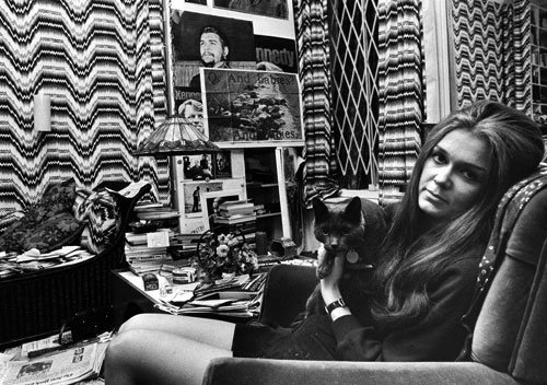 gloria-steinem-with-cat.jpg