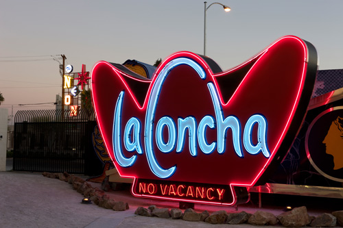 web-laconcha.park.sign.jpg