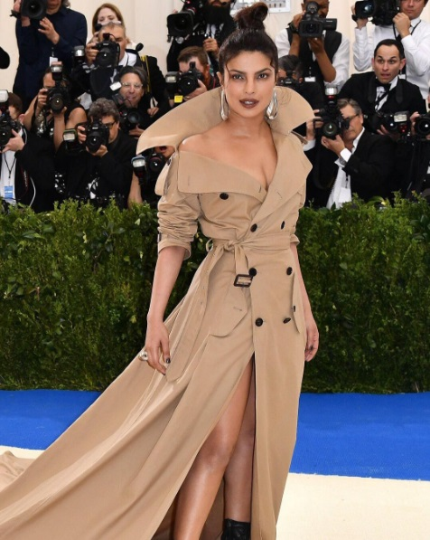 Priyanka-Chopra-at-the-Met-Gala-2017-2.jpg