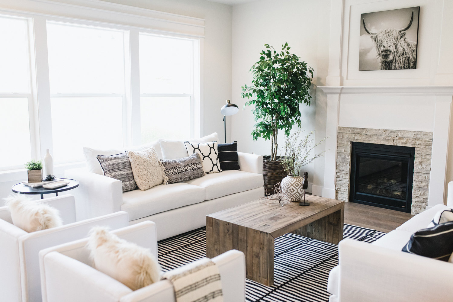 MODERN FARMHOUSE — R & L HOME STAGING