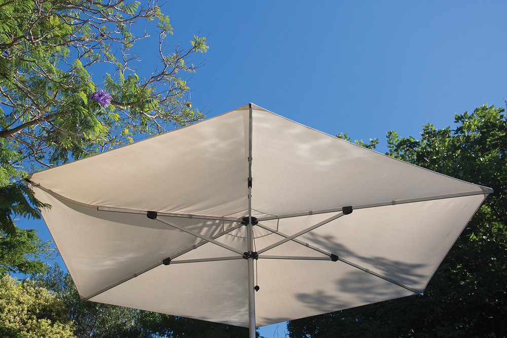 F-400 FINBRELLA (400CM)   Our largest 'market' size model that maintains long-term strength, stability and manageability. 4 meter wide hexagonal canopy provides over 10.4 m2 of shade area. Perfect for mingling crowds at wineries, weddings, events, sports venues and public areas. Interchangeable canopies allow for cost-effective design changes to suit different settings. All components constructed using highest quality outdoor materials and readily replaceable