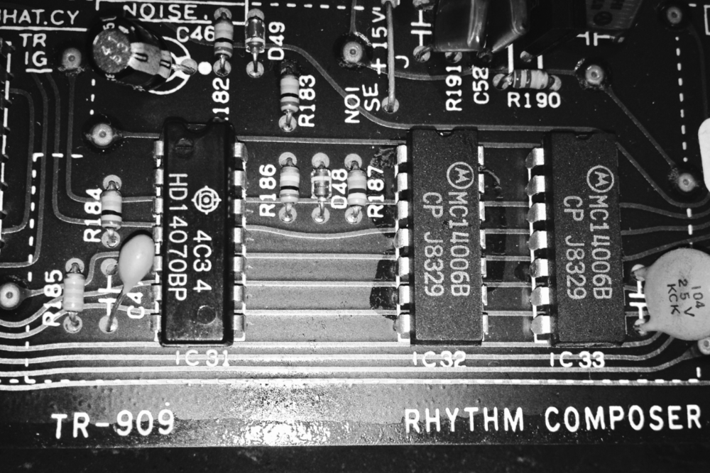 Drum machines, like synths, are basically the best. Also like synths they need some work from time to time. Whether you have a Transistor Rhythm, a MPC or anything in between, if it needs work we can help.