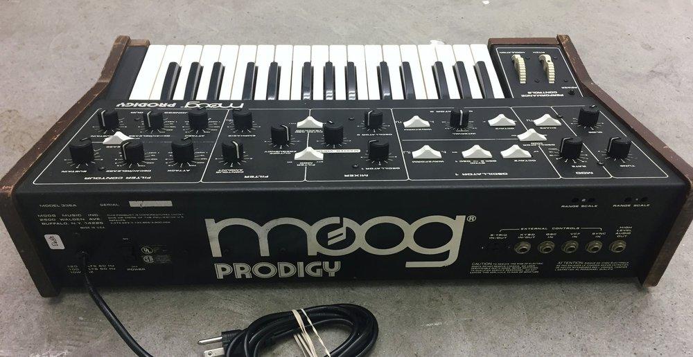 moog-prodigy4.JPG