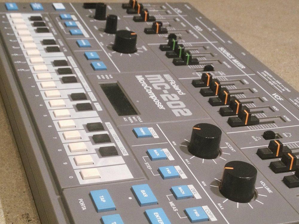 Roland MC-202e.JPG