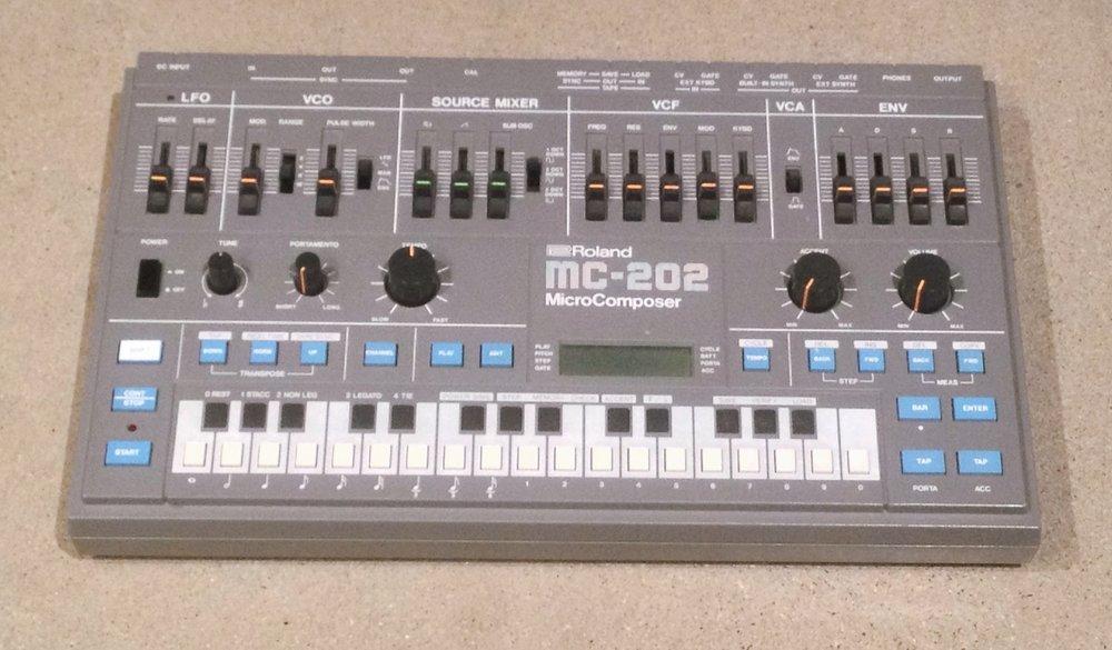 Roland MC-202a.JPG