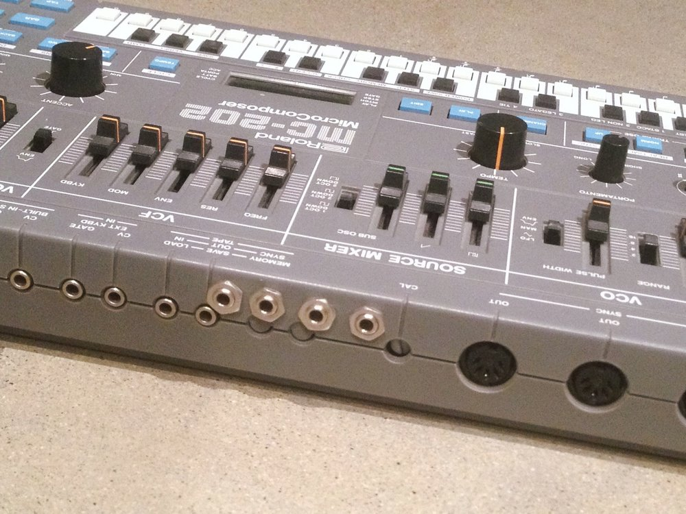 Roland MC-202d.JPG