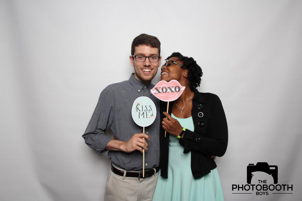 6 Tips Wedding Photo Booth.jpg