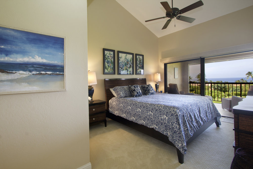 King bed and Private Lanai