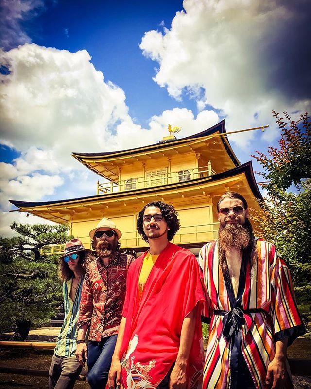 ゴールデンフェニックステンプル 灰から私たちの魂を持ち上げなさい 神が私たちを運命に導いてくれます. Farewell Japan! Love, Orka Odyssey. ✌🏻🇯🇵✈️🇺🇸🐬🐋🐳🐬❤️🎶K. Malone, B. Ives, J. Baugh, D. Gray, A. Simmons (not present for photo). #japantour2018 #internationaltour #kyoto #japan #synthpop #poprock #psychedelicpop #psychedelicrock #rockandroll #summertour2018 #denverband #coloradomusic #denvermusic #missingonemember #june2018 #kankujitemple #liveshows #concerts #performanceart #japanesetemples #milehighcitymusic