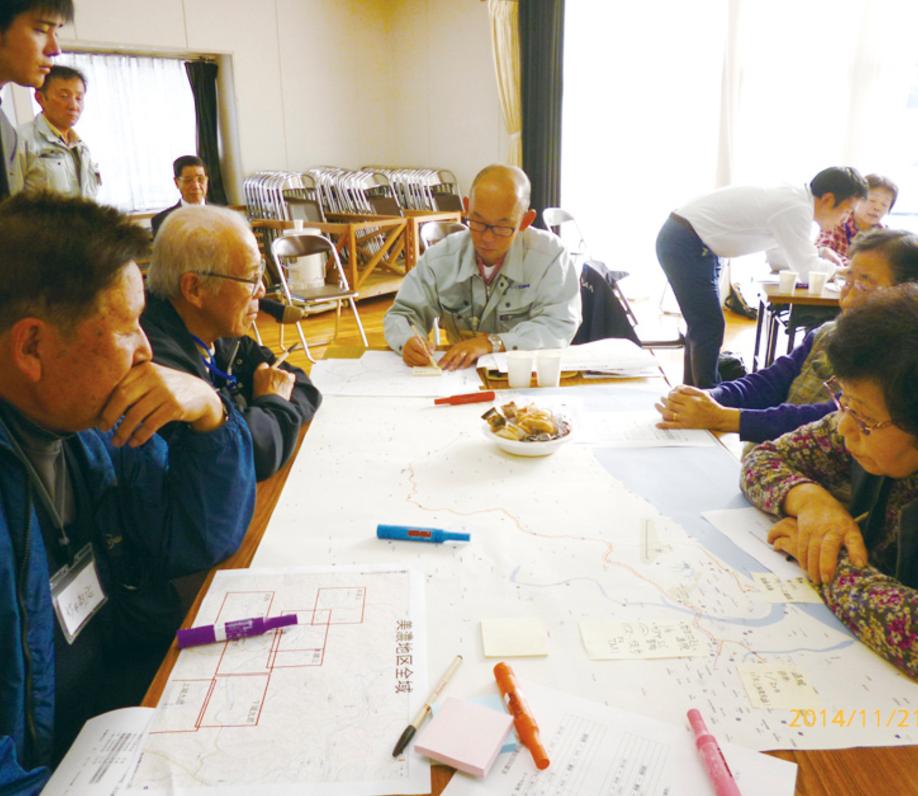 雲南市CCRC高齢者移住計画策定('15 民間事業者) - 人口の社会増減に関する地域の課題分析を経て、首都圏の高齢者のほか、市内企業へ勤務する従業員等を対象とする複合型の施設整備の方向性を示しました。