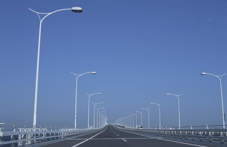 島根県緊急輸送道路ネットワーク検討業務('11-12 島根県) - 地震や津波被害などを想定しながら、災害時の緊急輸送道路のネットワークの構築や管理運営体制について取りまとめました。
