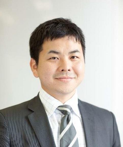 戦略企画部特別顧問 小塩篤史KOSHIO Atsushi