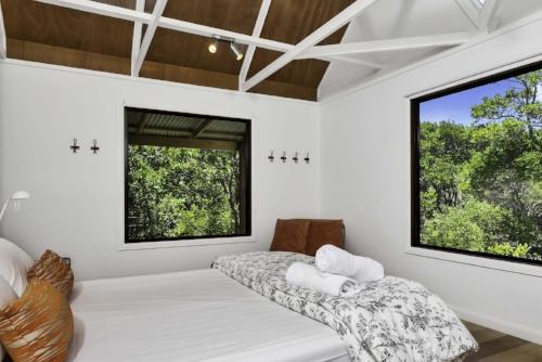 Cottage 2_bedroom.jpg