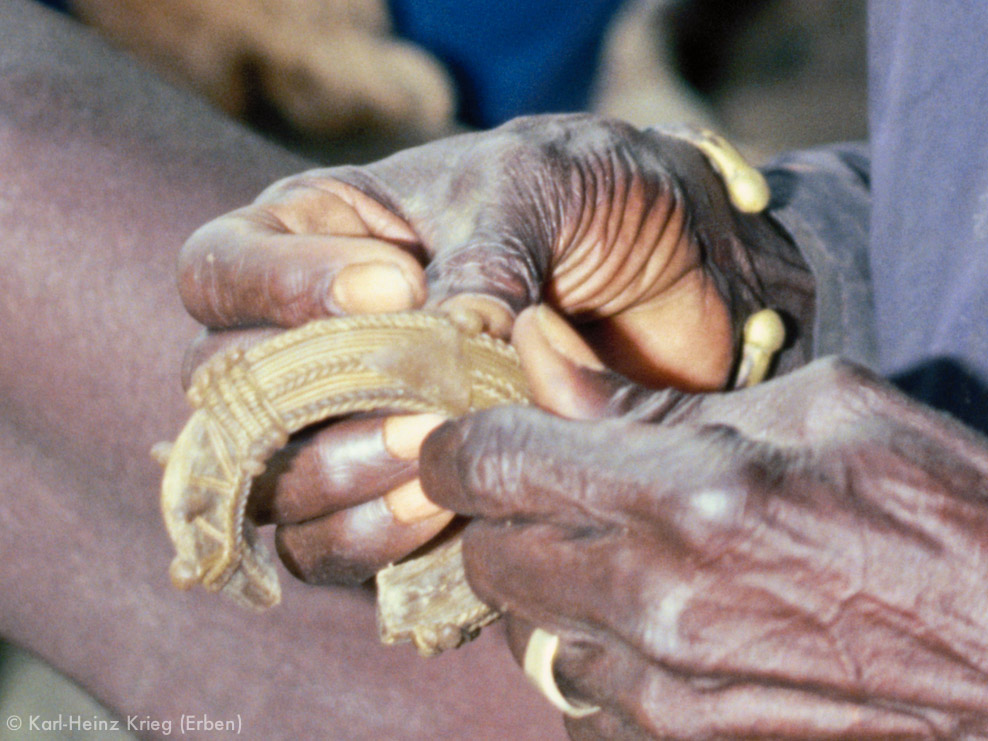 Kolo Silué making a wax model of a bracelet. Photo: Karl-Heinz Krieg, Nafoun (Region of Boundiali, Côte d'Ivoire), 1976