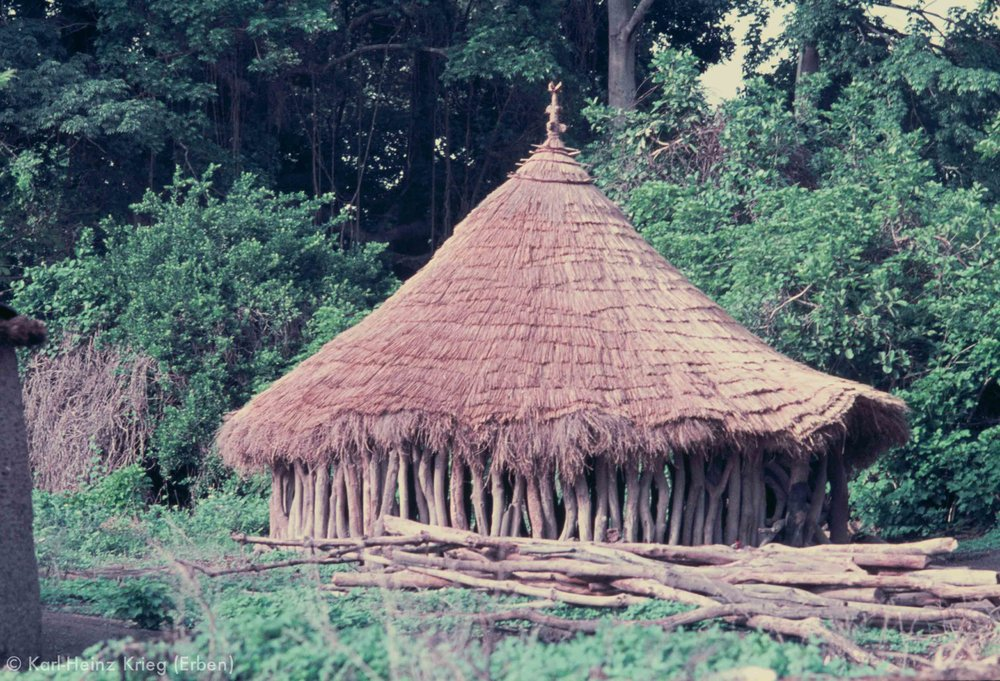 Männderhaus in Bolondo (Region von Boundiali, Côte d'Ivoire). Foto: Karl-Heinz Krieg, 1976