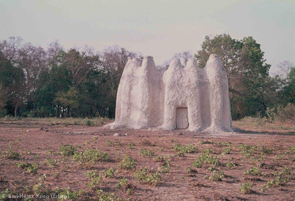 Massa-Tempel in Tiongoli (Region von Tengréla, Côte d'Ivoire). Foto: Karl-Heinz Krieg, 1977-1979