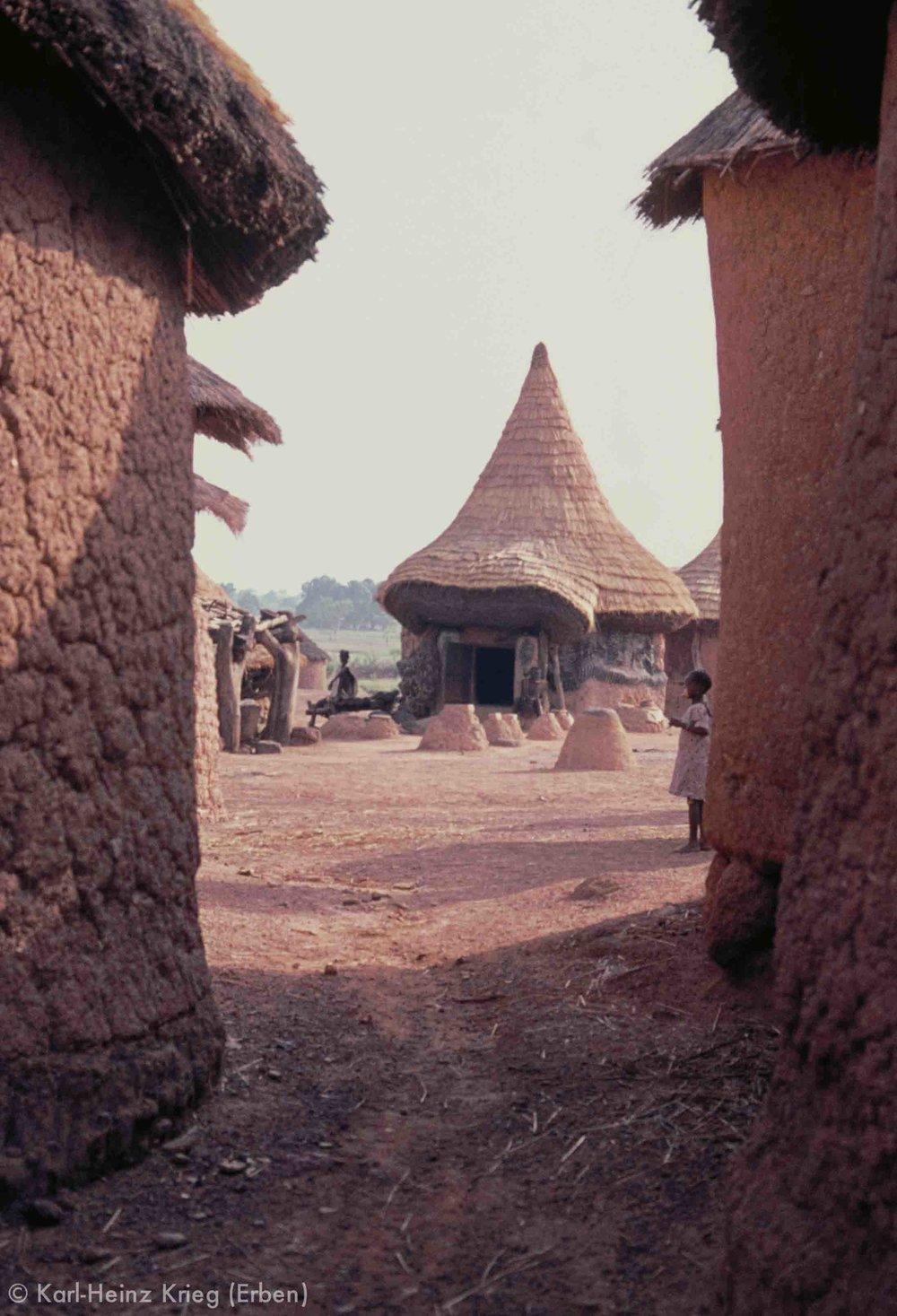 Fetisch-Haus in Niofoin (Region von Boundiali, Côte d'Ivoire). Foto: Karl-Heinz Krieg, 1977-1979