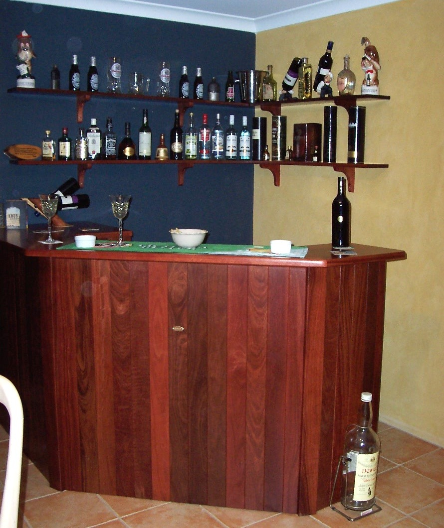 b13 Indoor Jarrah corner bar with shelving.jpg
