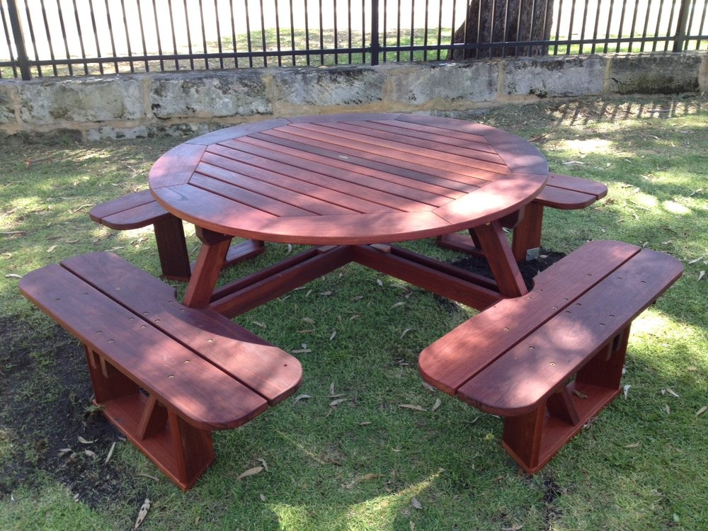 e21 round 8 seat picnic table with benches.JPG