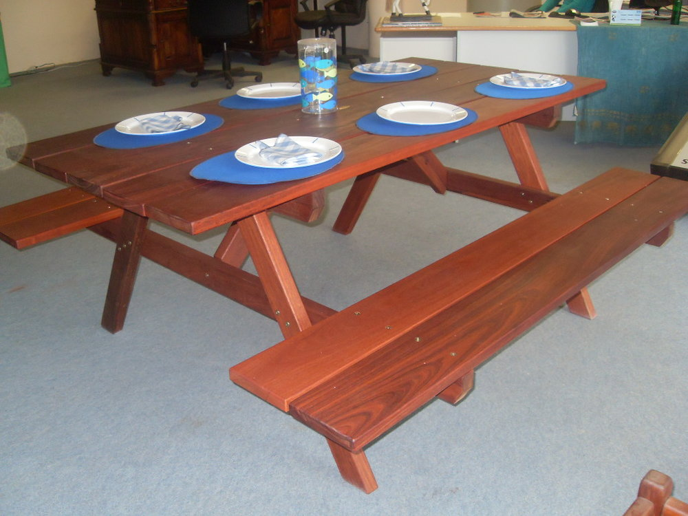 e30 Traditional picnic table with benches attached 6 seat (2.JPG