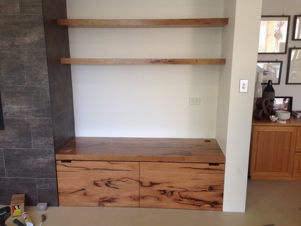 Marri+Shelving+and+bench+with+two+toy+boxes+on+wheels+beneath++[1].jpg