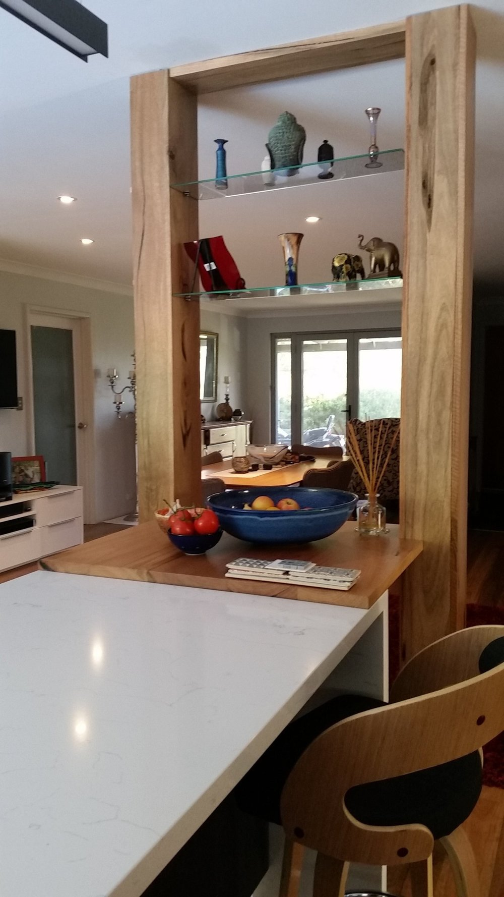 Marri Kitchen extension to hide support post