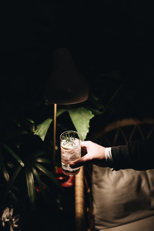 Beste+Kombi-+Lesung+und+Friday+Tanqueray+Drinks.jpeg