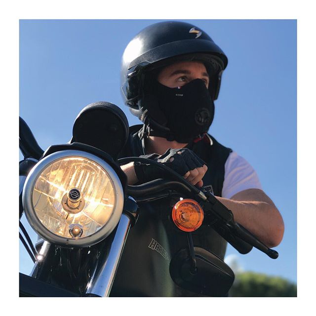 R-PUR : Masque anti-pollution - 🇫🇷 Ce temps ravivera vos envies de ballades à couper le souffle, mais tant qu'à faire autant en profiter pour respirer un air pur ! - - 🇬🇧 Enjoy your ride, breathe better, stay healthy - #rpur #rpurmask #mask #antipollution #pollution #fightpollution #airpollution #ffp3 #protection #rider #cities #madeinfrance #harley #lifestyle #paris #france #healthy #motocycle #bike #respire #choper #harleydavidson #new #comingsoon #startup #instagood #vsco #vscocam #ladefense #tbt