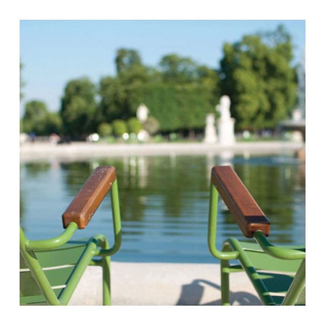R-PUR : Masque anti-pollution - 🇫🇷 Quoi de plus reposant que la Jardin des Tuileries pour profiter de ce mois de Juillet ? - - 🇬🇧 Nothing more relaxing than the Jardin des Tuileries to enjoy July ? - #rpur #rpurmask #mask #antipollution #pollution #fightpollution #airpollution #ffp3 #protection #rider #cities #madeinfrance #harley #lifestyle #paris #france #healthy #motocycle #bike #respire #choper #harleydavidson #new #comingsoon #startup #instagood #vsco #vscocam #ladefense #tbt