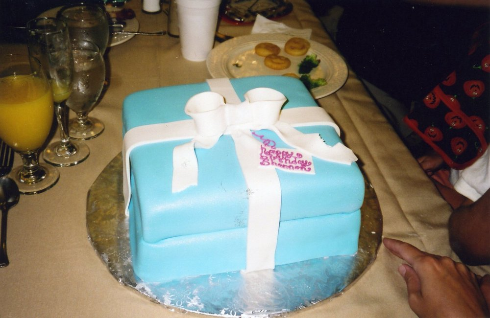 shannon bd cake207 copy.jpg