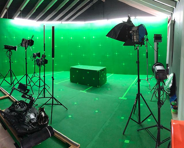 We just finished building our mini cyc studio. Bring on the VFX! #greenscreen #motiontracking #VFX #terra6k #kinefinity #cinema4d