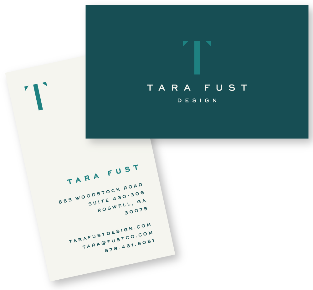 TaraFust_BusinessCards-Mockup.png