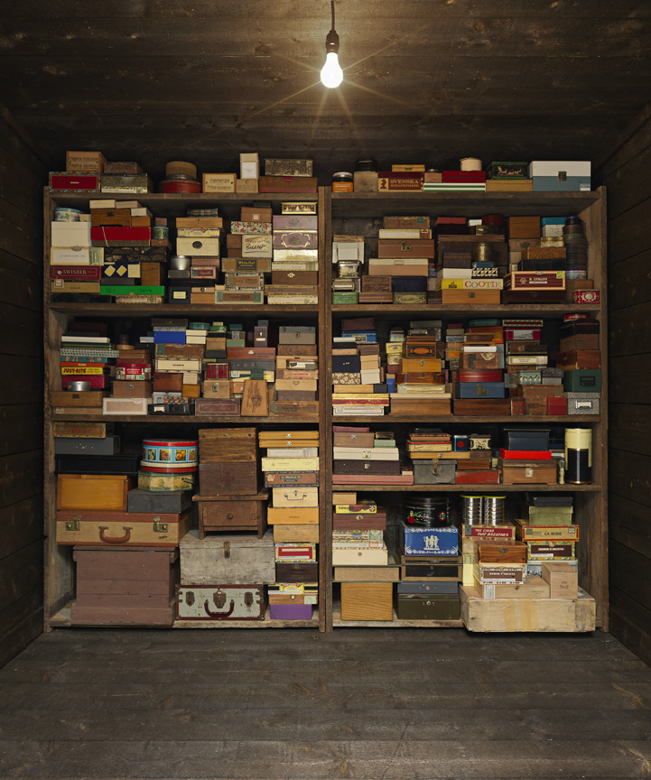 Mark Dion, Memory box, detail, 2016. wood, steel, shelving, various objects 114 x 113 x 125 inches; 289.6 x 287 x 317.5 cm courtesy of the artist and tanya bonakdar Gallery, New York (tbg 17014)