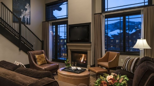 Suite at the Waldorf Astoria Park City, UT. Image courtesy of Hilton.