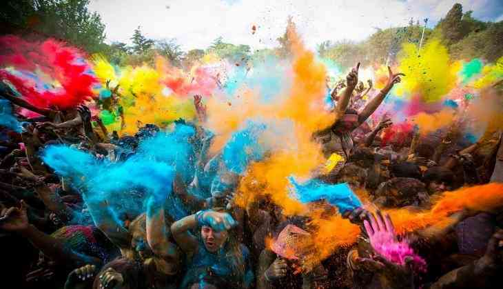 Happy-Holi-Wallpapers_101353_730x419-m.jpg