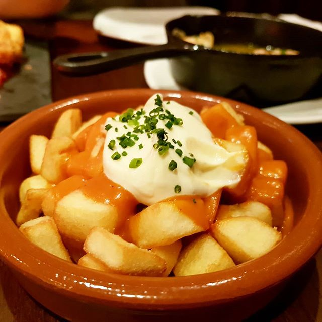 Ultimate comfort food in the form of patatas bravas from @caminolondon Shoreditch. Review up on blog at www.nomeanfeast.co.uk  #photooftheday #foodphoto #eattheworld #onthetable #foodshare #finedining #delicious #tasty #alwayseating #eatingfortheinsta #londoner #londonlife #review #forkyeah #noleftovers