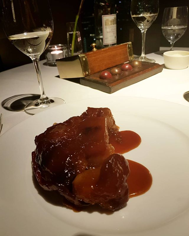 Throwback to the best Tarte Tatin I think I've ever had at @citysocial_t42. Full review at www.nomeanfeast.co.uk.  #dessertgram #dessert #michelinstar #michelin #tartetatin #dessertporn #foodie #foodblog #foodblogger #food #foodporn #dinner #finedining #gourmet #onthetable #eattheworld #noleftovers #delicious #mylondon #londonfood #londonrestaurants #londoneats #eeeeats #blogger #londonfoodie #f52 #feedfeed #igfood #foodgram #foodshare