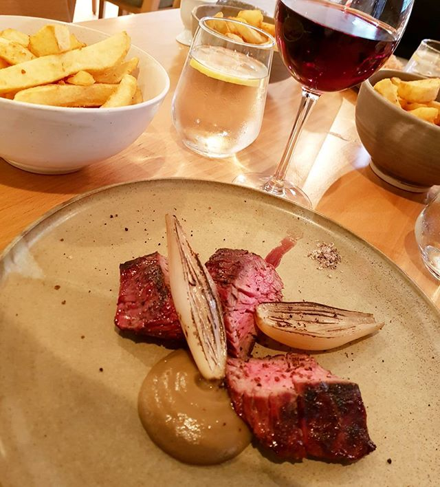 The beef with mushroom ketchup and those duck fat chips from @farmyardrestaurant. Full review up on blog. Link in bio or at www.nomeanfeast.co.uk