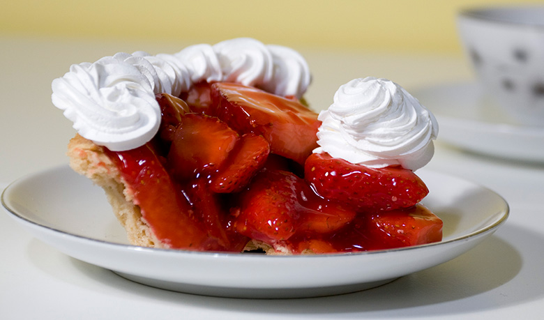 fresh-strawberry-pie-780.jpg