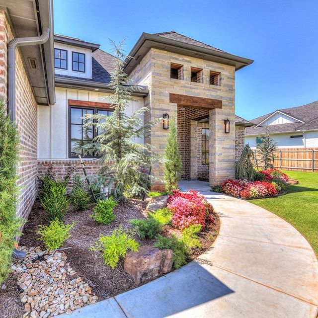 Check out this great home,  532 Newport Bridge in Twin Bridges, Edmond OK.