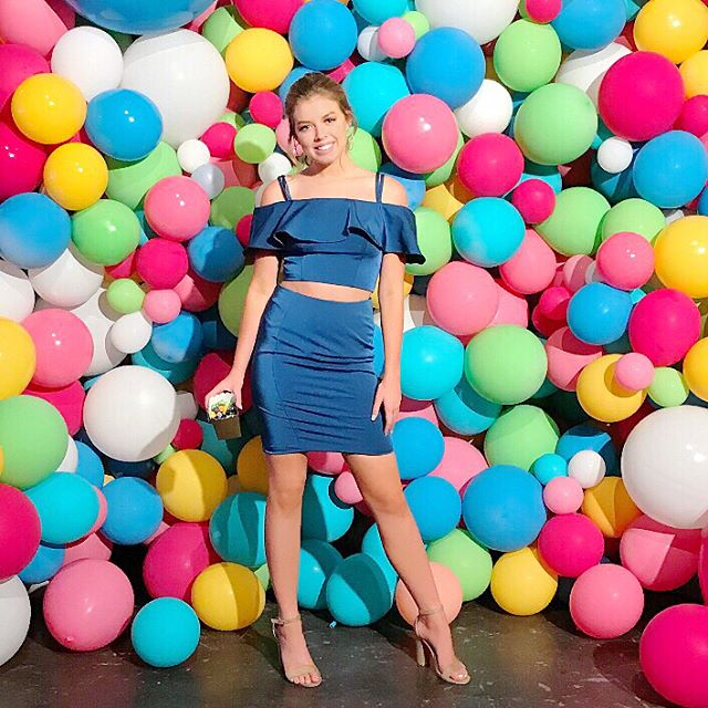 Anyone craving @dippindots right now?? #dippindotwall from @bigassballoons  How fun would this @daveandjohnnynyc two piece be for HOCO 2k18!  The color couldn't be more perfect. You can see more HOCO styles from @ch_couturehouse by tapping on this pic or swiping up on my story. . . . #dippindots #hoco2k18 #hoco #texasblogger #htx #shein #igfashion #igblogger #teenblogger #teenbloggers #htxbloggerbabe