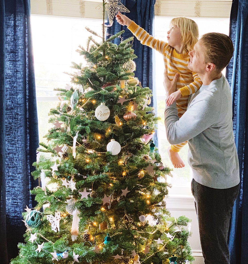 Toddler Safe Ways to Trim Your Tree