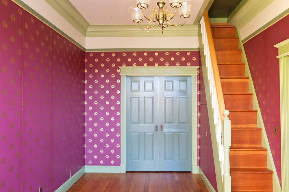 frontroom3.jpg