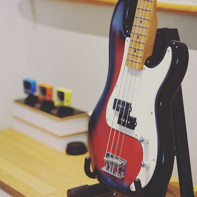 Ook de kleinste kunnen op deze prachtige 3/4 short scale bass leren basgitaar spelen! #bass