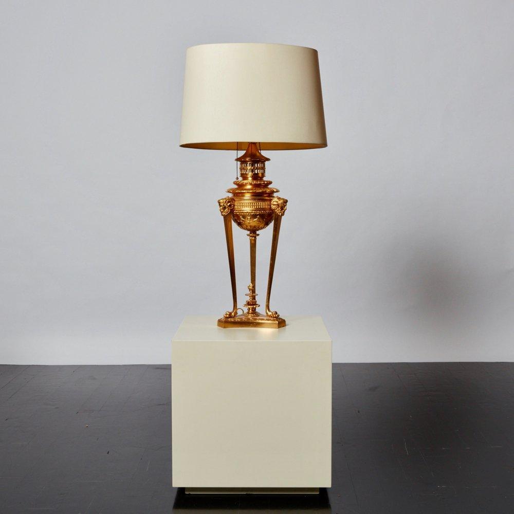 antony_todd_lamp_3.jpg