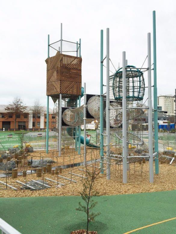 margaret-mahy-familiy-playground-berliner-08-585x780.jpg