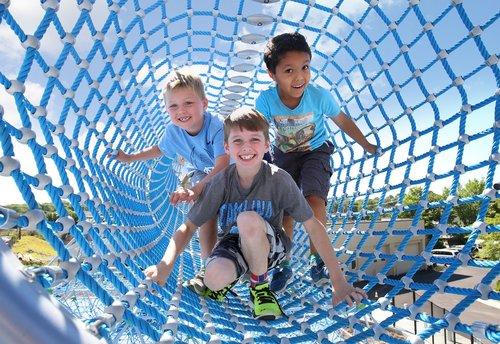 Tight+mesh+tunnel+w+kids.jpg