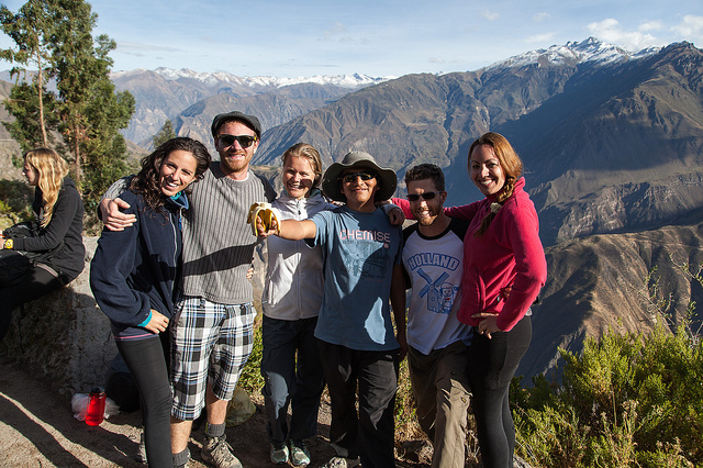 group photo on top of Colca Canyon