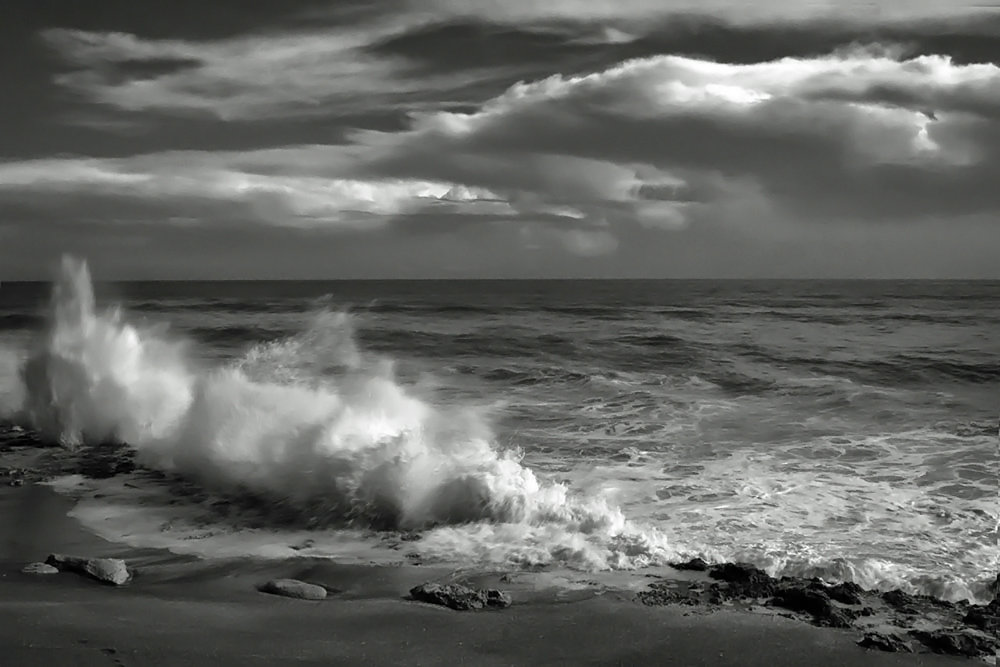 26 Barry_Greff_Crashing_Ocean_Views.jpg