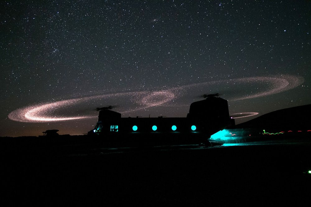 military-chinook-helicopter-603629_1920.jpg